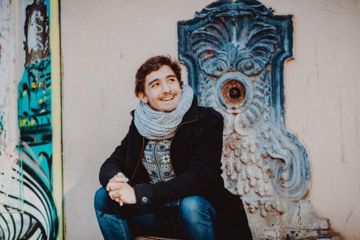 Elsa-Couteiller-Photographie-elsamichellelaurablanche.com-séance-photos-lifestyle-Paris-Beaubourg-Centre-Georges-Pompidou-Félix-5