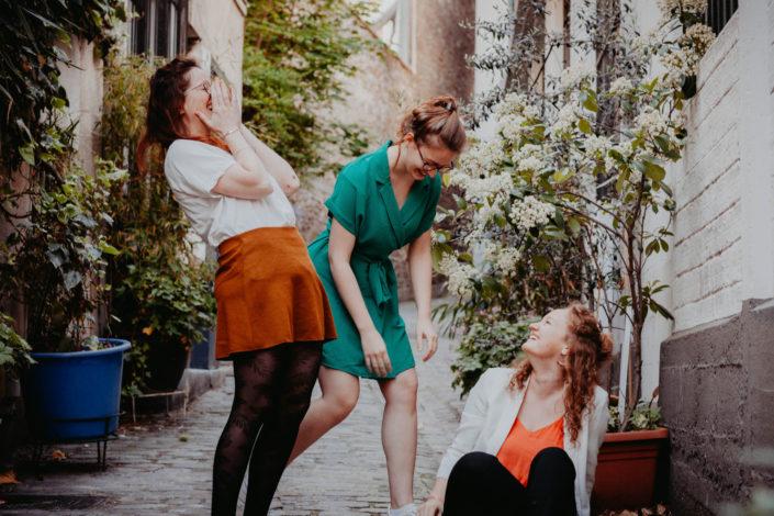 Elsa Couteiller Photographie - elsamichellelaurablanche.com - séance photos lifestyle - les soeurs R - les soeurs du 18ème - Paris (10)