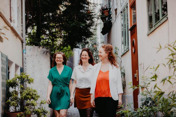 Elsa Couteiller Photographie - elsamichellelaurablanche.com - séance photos lifestyle - les soeurs R - les soeurs du 18ème - Paris (4)