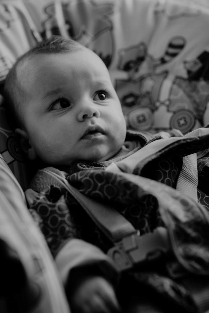 Altan - séance photos bébé à la maison - à domicile - Paris - Vincennes - Saint-Mandé - Eventhia - Nicolas - prince mongol (16)