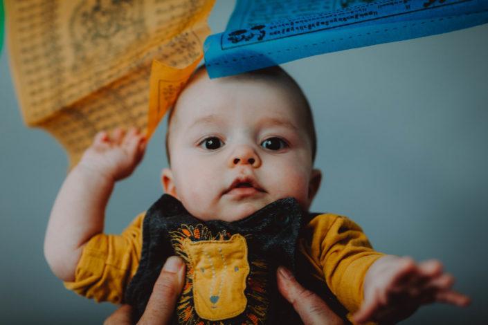Altan - séance photos bébé à la maison - à domicile - Paris - Vincennes - Saint-Mandé - Eventhia - Nicolas - prince mongol (20)