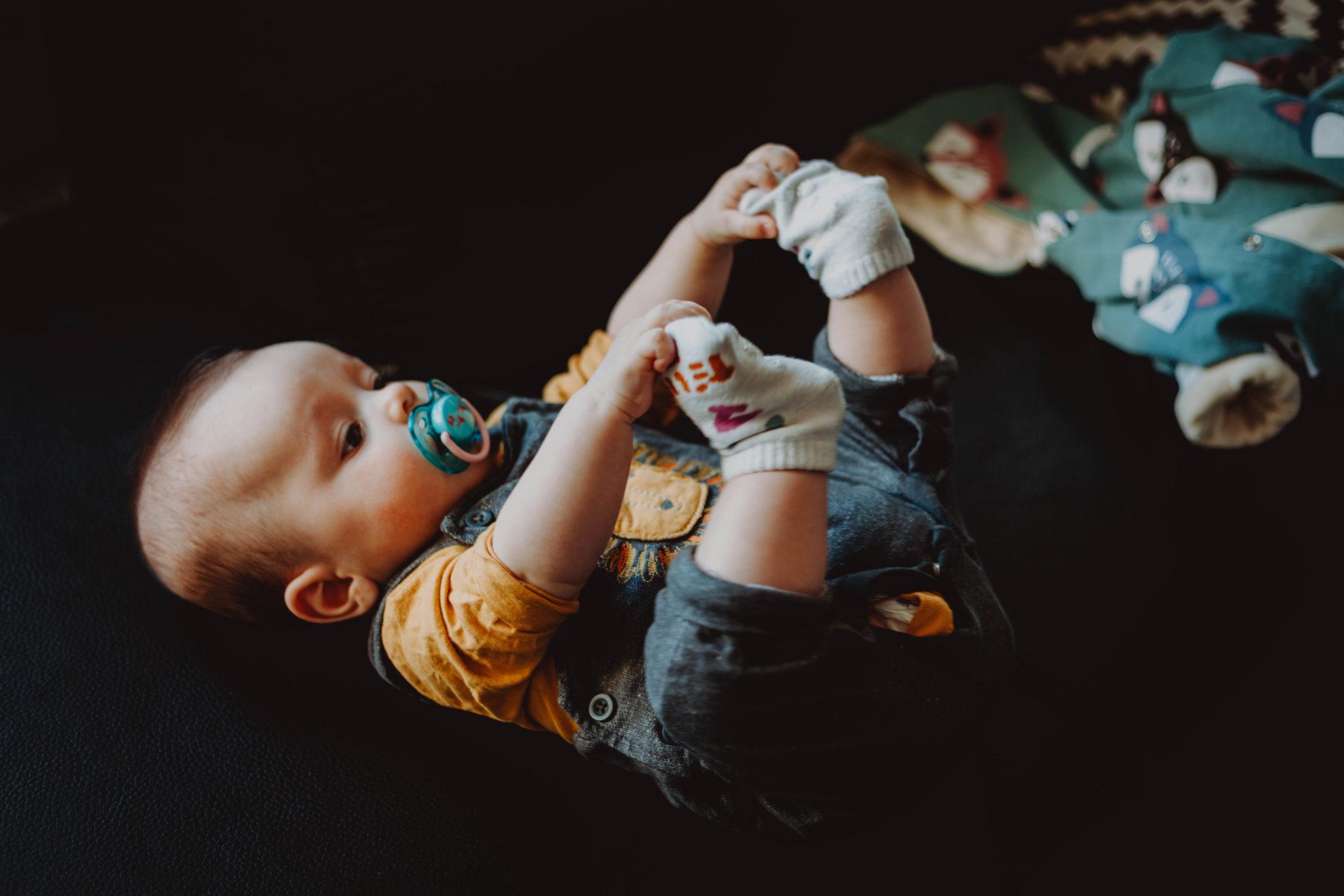 Altan - séance photos bébé à la maison - à domicile - Paris - Vincennes - Saint-Mandé - Eventhia - Nicolas - prince mongol (22)