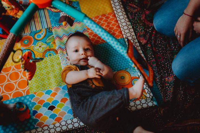 Altan - séance photos bébé à la maison - à domicile - Paris - Vincennes - Saint-Mandé - Eventhia - Nicolas - prince mongol (5)